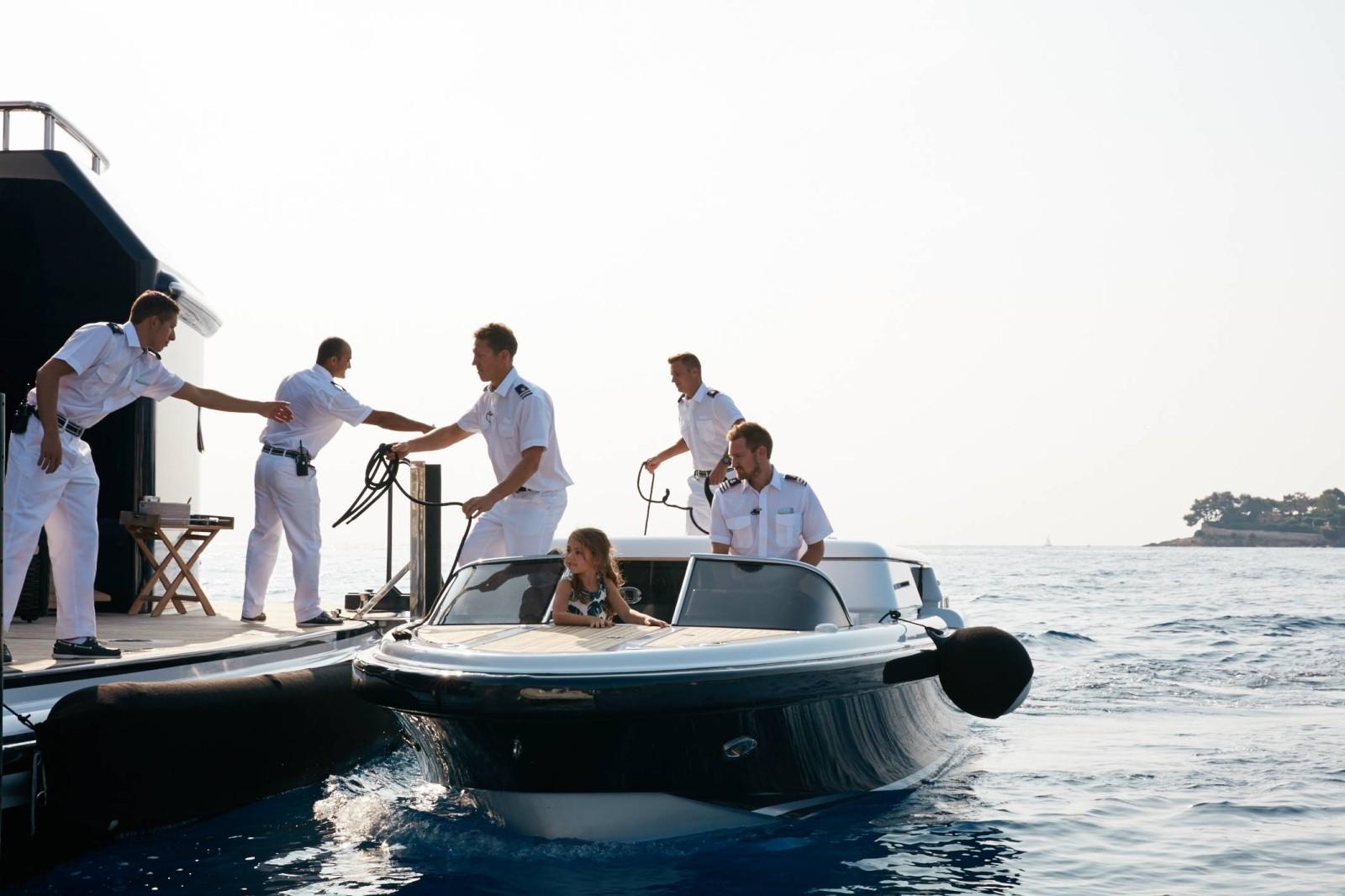 NAPRAWA ŁODZI WROCŁAW - Serwis Jachtów i Motorówek, Pełna obsługa, oferujemy pełen serwis naprawy silnika, kadałuba, awarji łodzi motorowych.