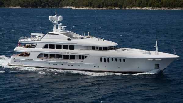 Mustique SuperYacht for Sale