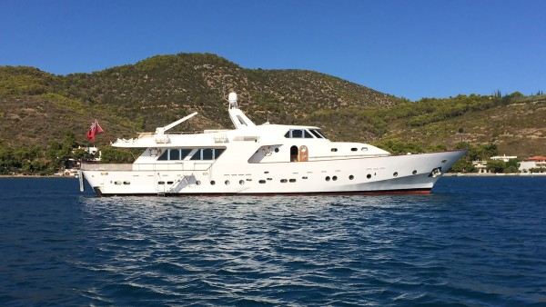 Charters Yacht Elvis