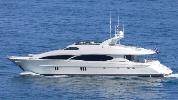 LeReve Yacht for Charter