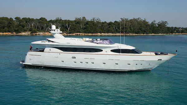 Yacht Talila Charter