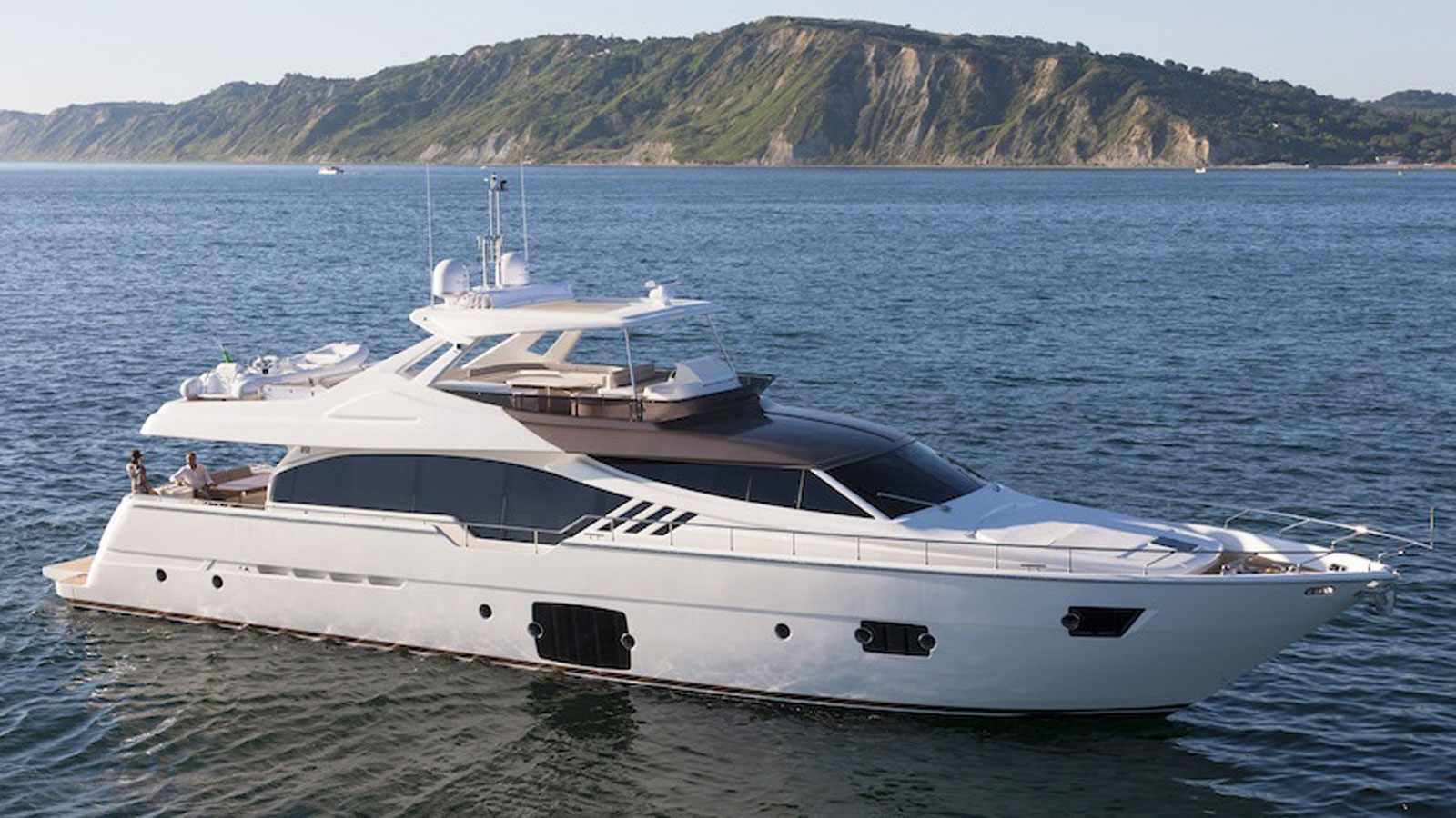 86' Ferretti Yacht Mirabilis for Sale with IYC profile at anchor