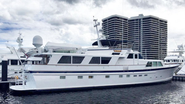 Hi Banx Burger Motor Yacht for Sale by IYC