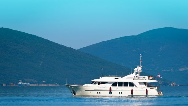 White_Crystal_Superyacht_for-sale