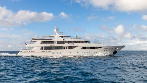 Yacht Trending Charter