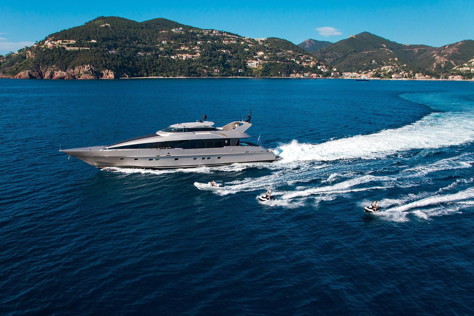 Pandion Yacht Charter