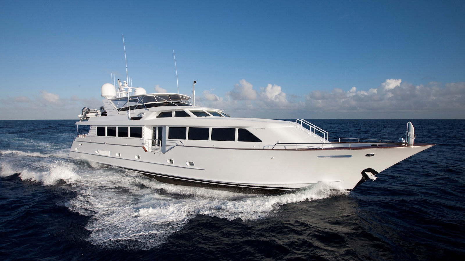 Decompression Yacht for Sale