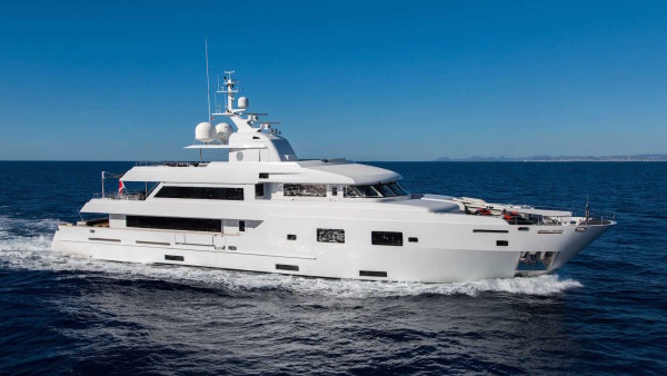 TOMMY BELLE Yacht for Charter