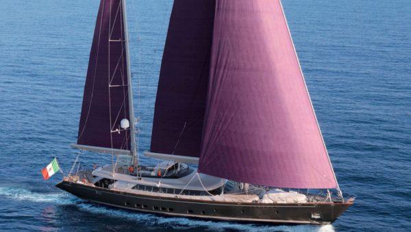 yacht_baracuda_charter