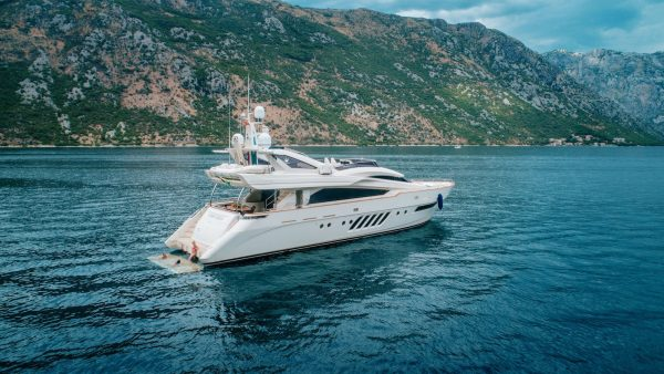 Ladymura_Yacht-Charter