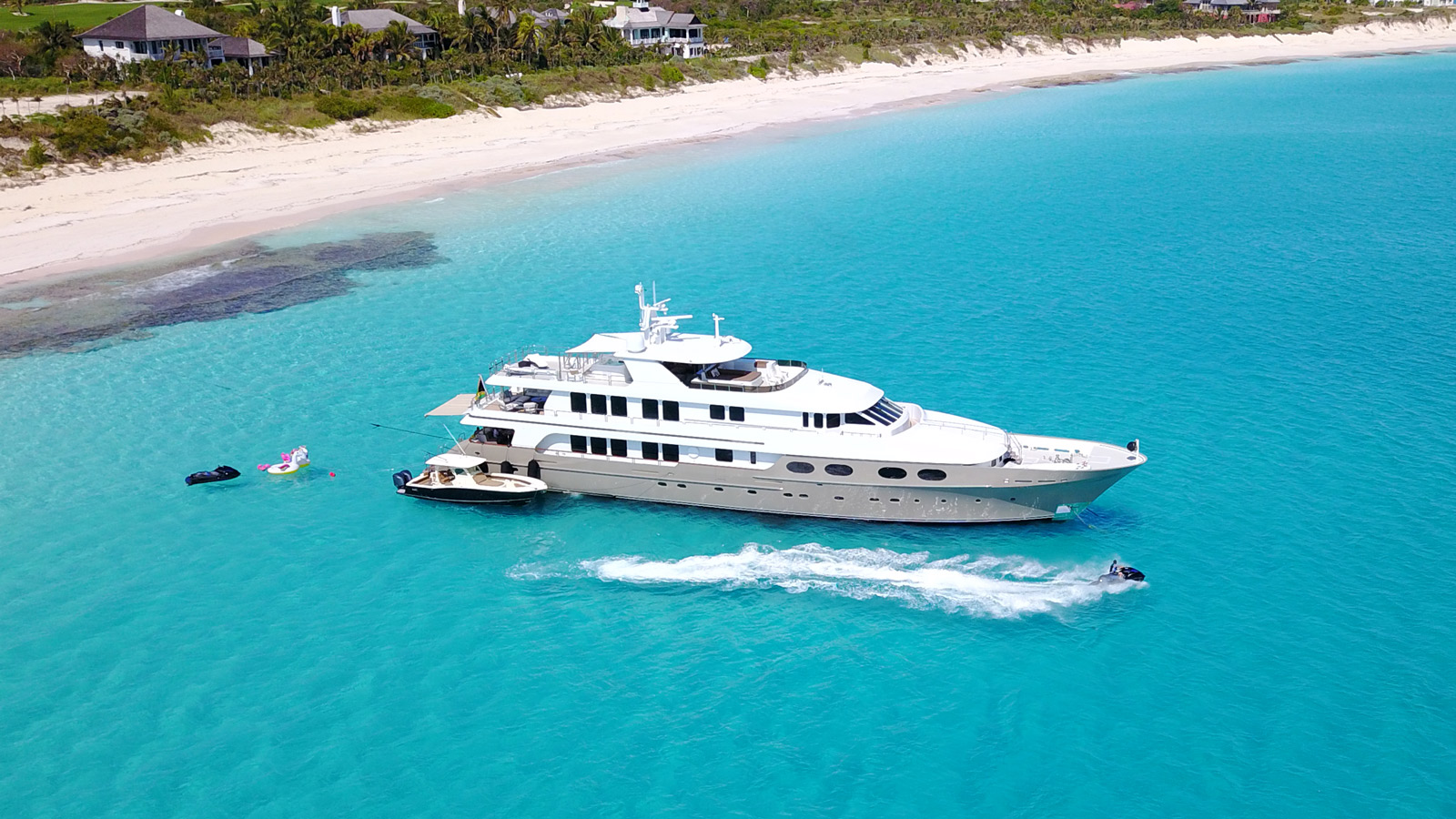 LOON Yacht for Charter - IYC