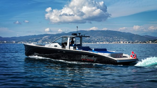 SR52 Blackbird Yacht for Sale