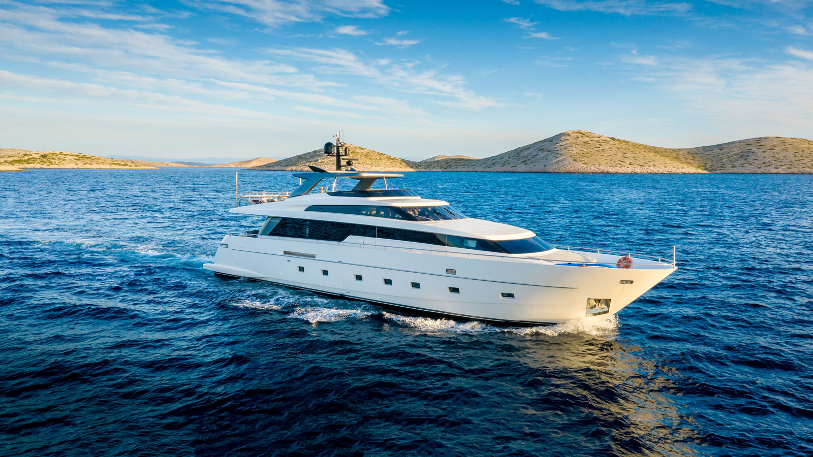 Casa Yacht for Charter - IYC