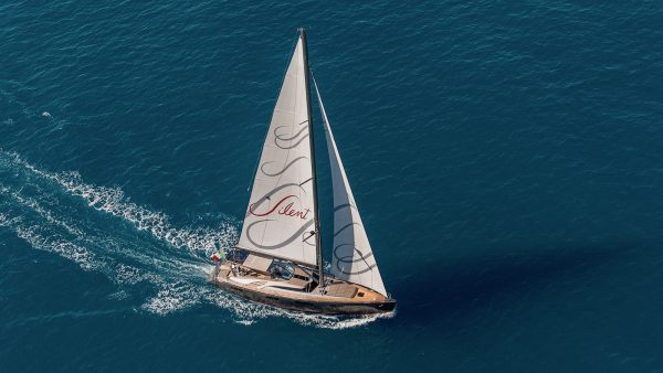 GIGRECA Yacht for Charter - IYC