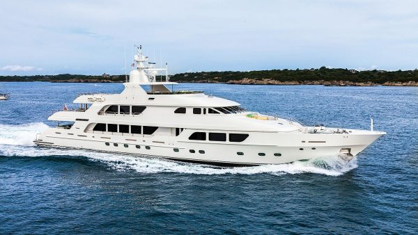 CARTE BLANCHE Yacht for Charter