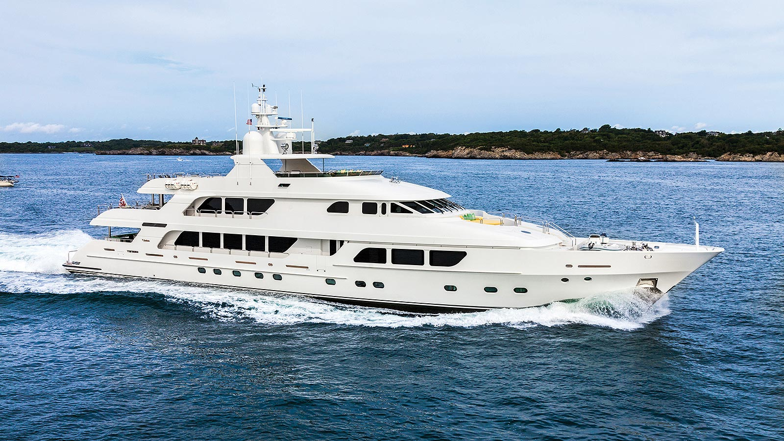 CARTE BLANCHE Yacht for Charter - IYC