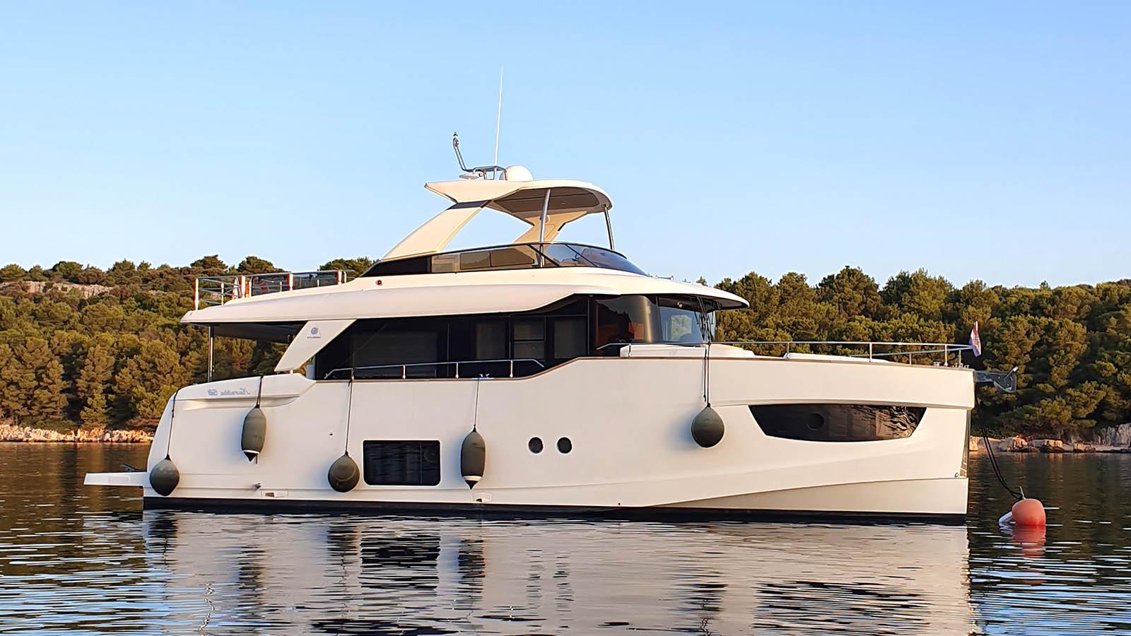 TOBY II Yacht for Sale