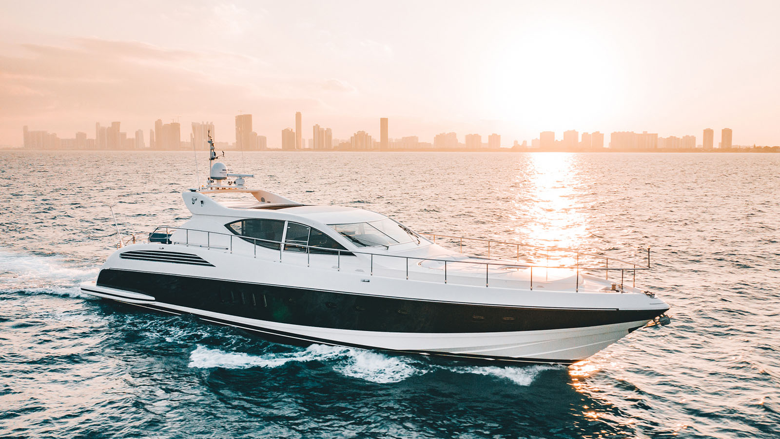 Dash Yacht for Sale - IYC